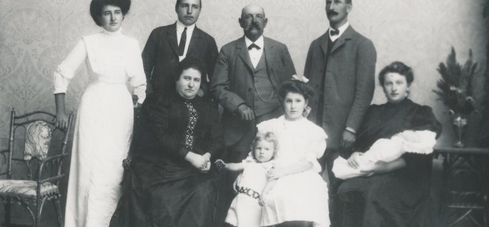 Gostovanje razstave o kranjski družini Mayr