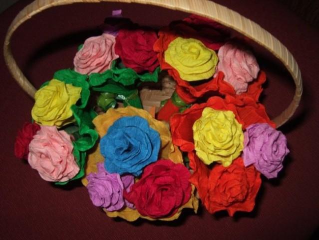 Delavnica Kako izdelati rožo iz krep papirja?