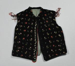 Predstavitev kataloga Obleka, ki je naredila človeka - katalog sto in več let starih oblačil iz etnološke zbirke Gorenjskega muzeja @ Ullrichova hiša | Kranj | Kranj | Slovenija