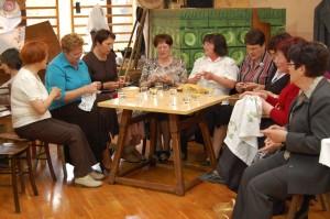 1.   17.4.2011 - velikonočna razstava - članice krožka