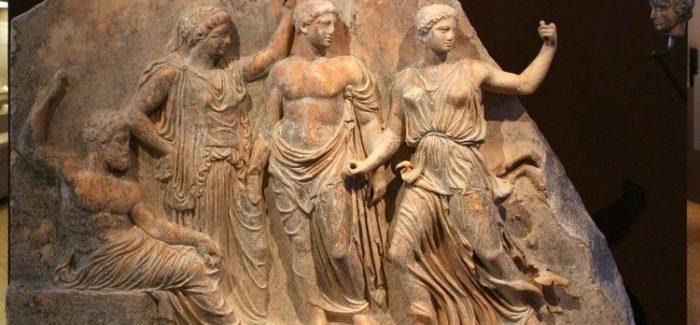 Vitrina meseca – Ženske zgodbe; Ifigenija in Kasandra